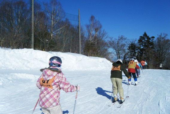冬の山の上学校