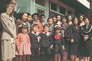 1953年第1期新入生と保護者、教職員